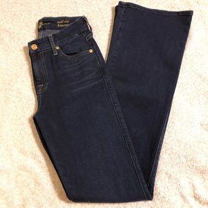 7FAM  Mid Rise Kimmie bootcut jeans size 25